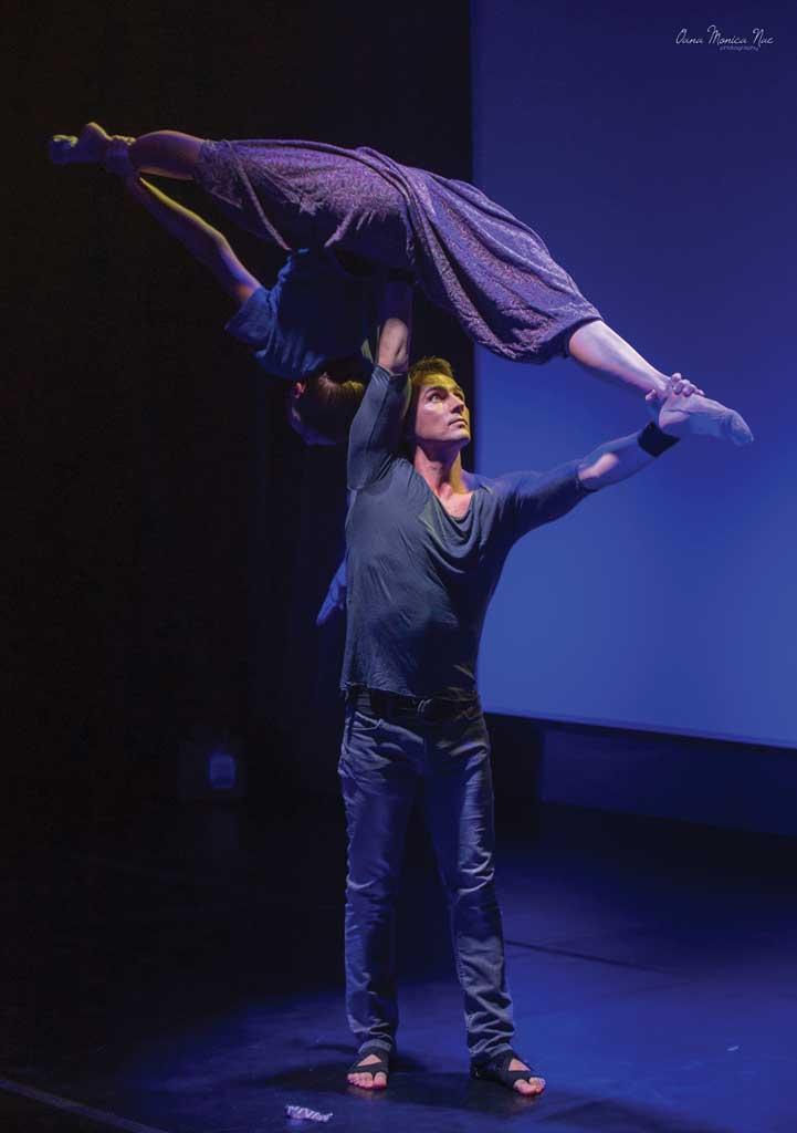 Pescărușul acro dance gimnastică artistică